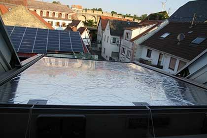 Hitzeschutz auf Dachflächenfenster von außen