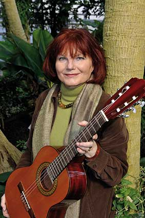Liedermacherin Joana Emetz