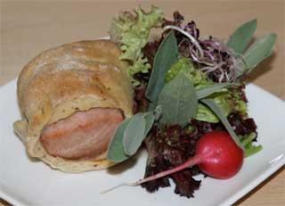Rheinhessen-Tapas: Fleischwurst im Schlafrock