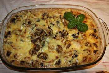 Chicken filet gratin with button mushrooms and verjuice